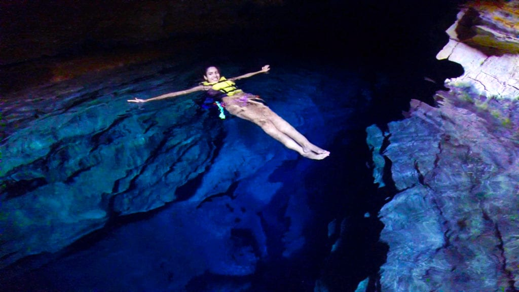 Flutuação no Poço Azul