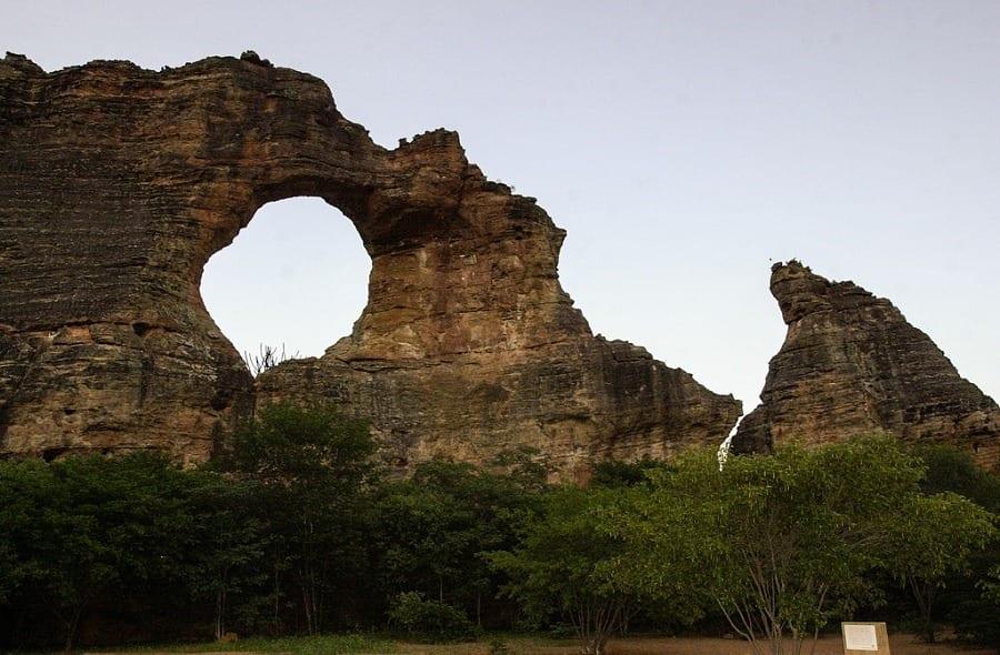 pedra-furada- serra-capivara
