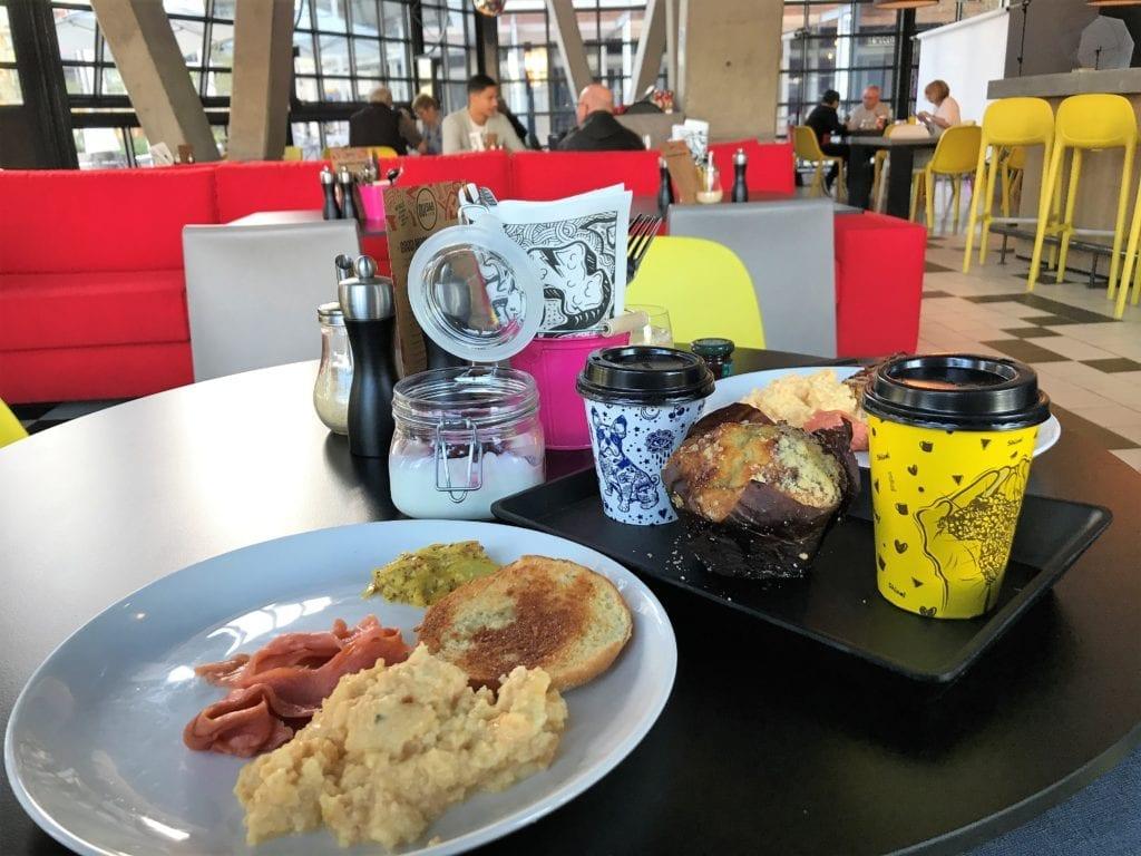 Café da manhã no Radisson Red Cape Town