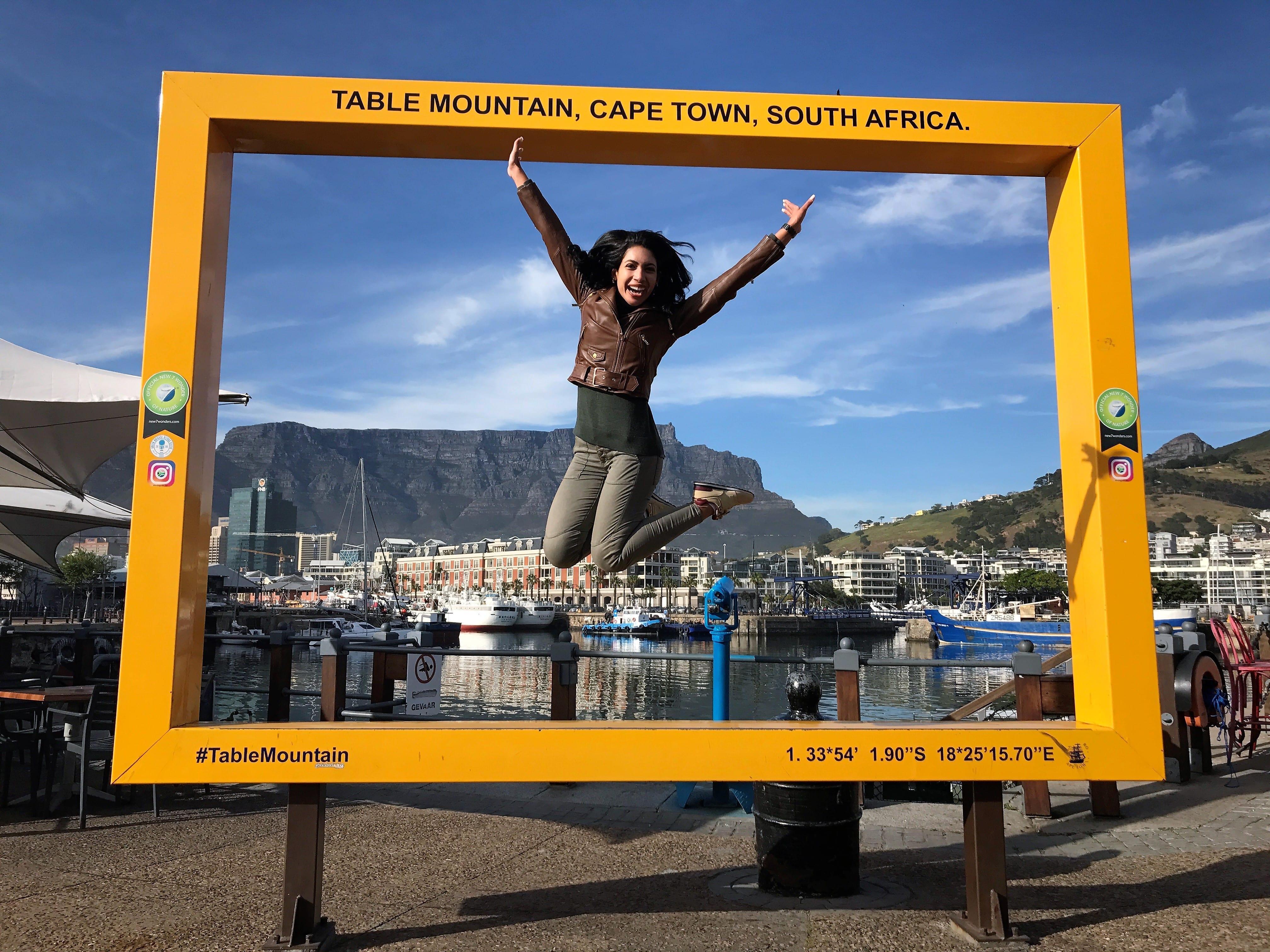 """Cartão postal"" Table Mountain no Waterfront"