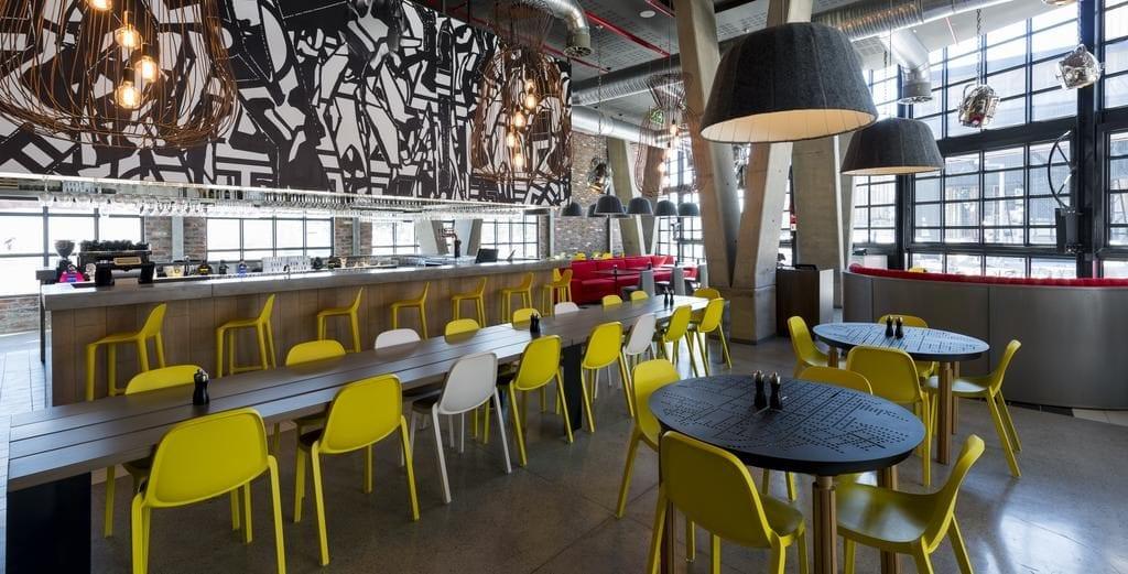 O OUIBar + KTCHN - Restaurante do Radisson Red