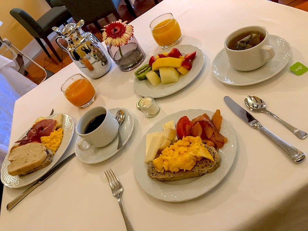 Café da manhã muito bom no Vintage House Hotel, Vale do Douro