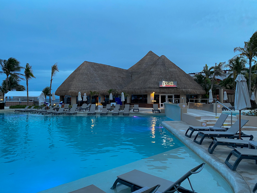 Toro restaurante - Hard Rock Riviera Maya